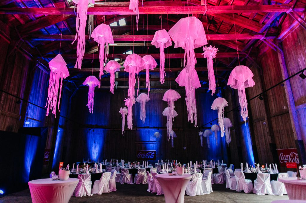 ambient-decor-gala-dinner-light-show