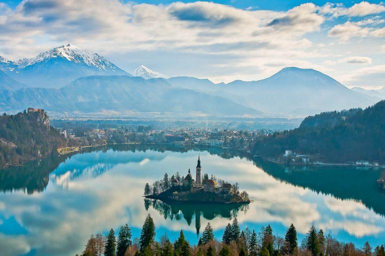 bled-island-cliff-rock-bled-castle-alpine-resort-slovenia