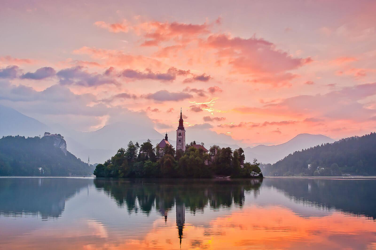 bled-lake-sun-set-leisure-group-destination-slovenia