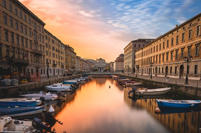 canal-grande-trieste-italy-city-break