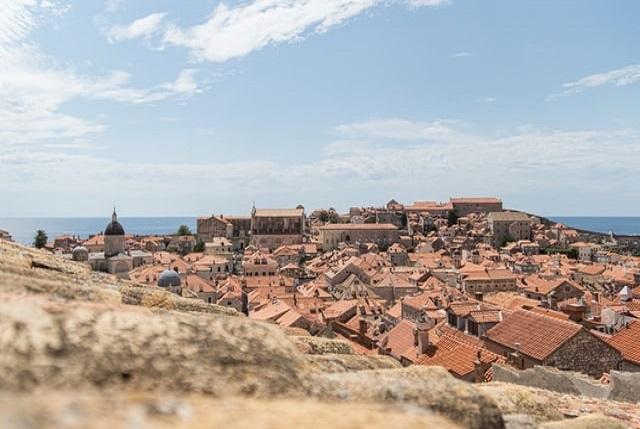 dubrovnik-rooftops-city-visit