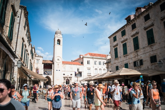 dubrovnik-stradun-visit-travel-croatia