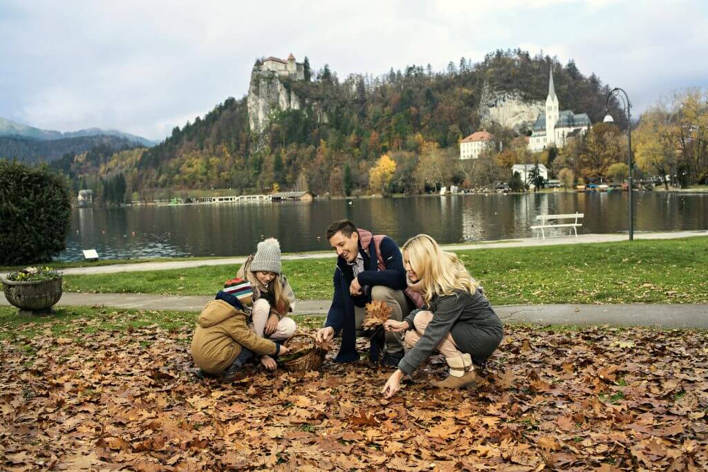 family-lake-bled-tour-fun