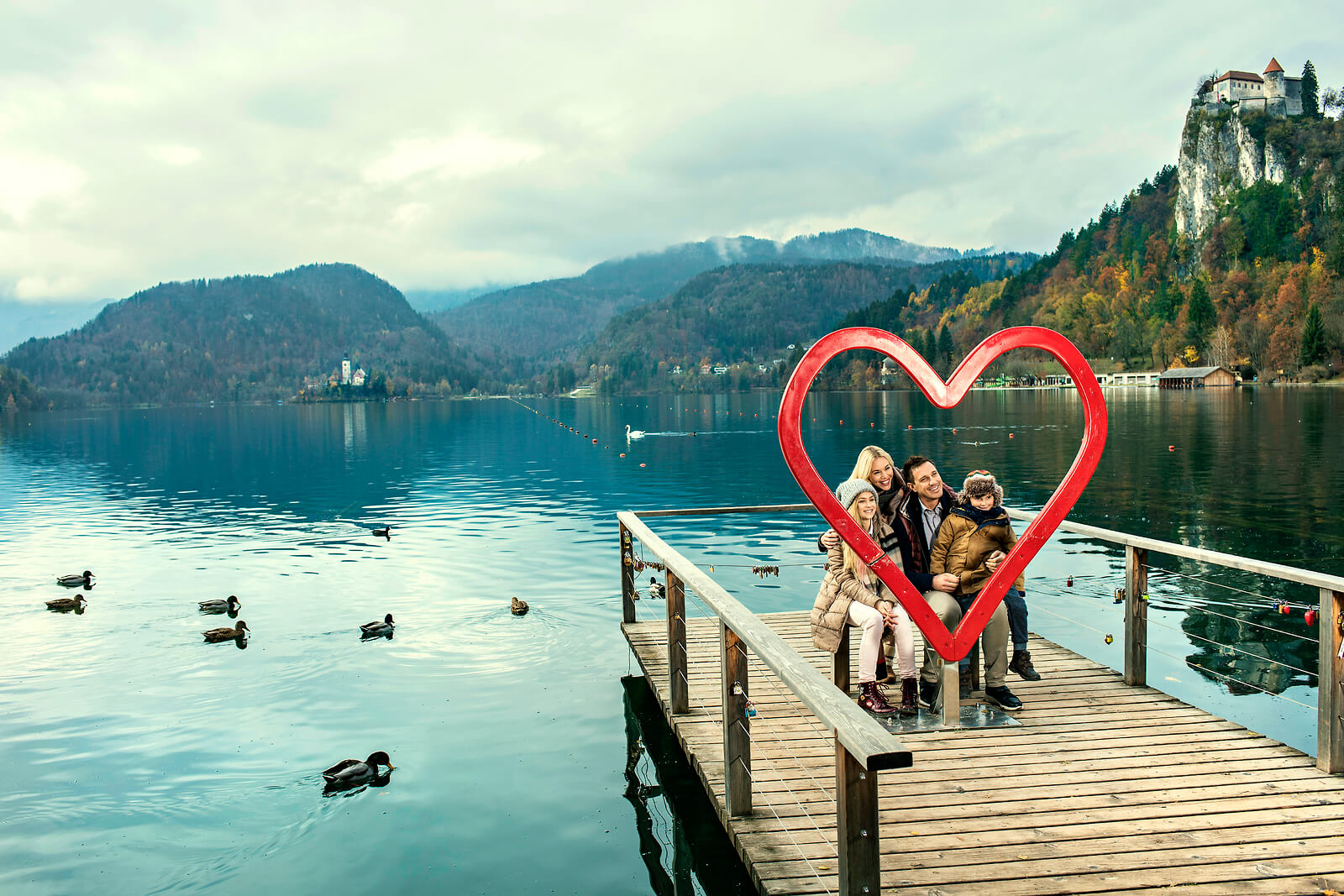 family-vacation-panoramic-view-lake-bled