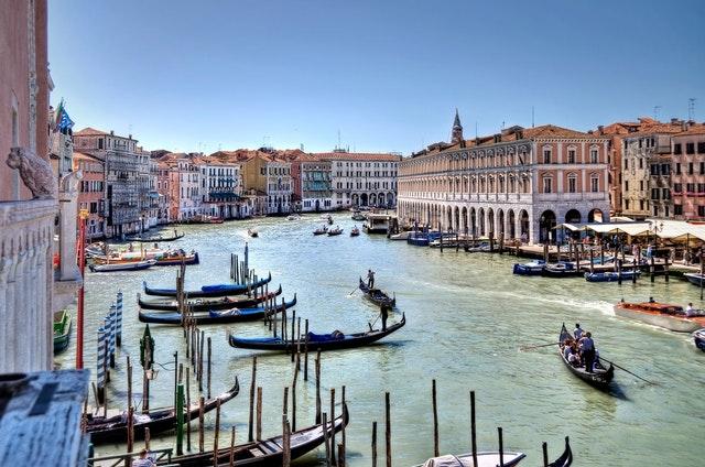 gondola-venice-experiance-visit