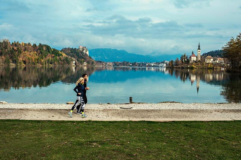 jogging-lake-bled-holiday-active