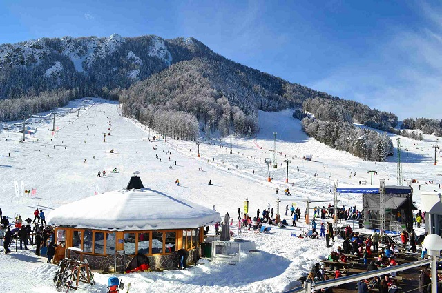 kranjska-gora-slovenia-winter-ski-vacation-holidays-ski-slopes