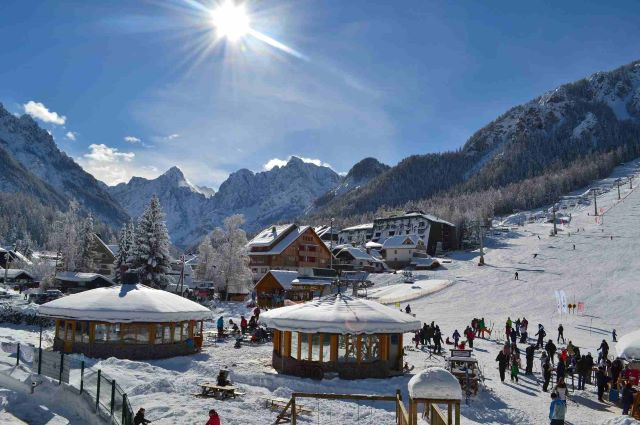 kranjska-gora-slovenia-winter-ski-vacation-holidays-slopes