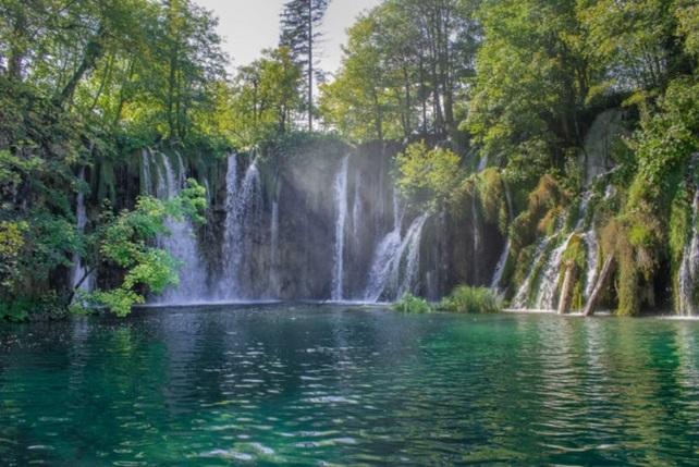 plitvice-lakes-croatia-zagreb