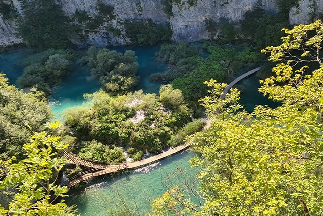 plitvice-waterfalls-pathway-visit