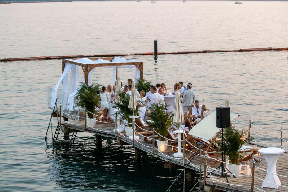 seaside private dinner on water