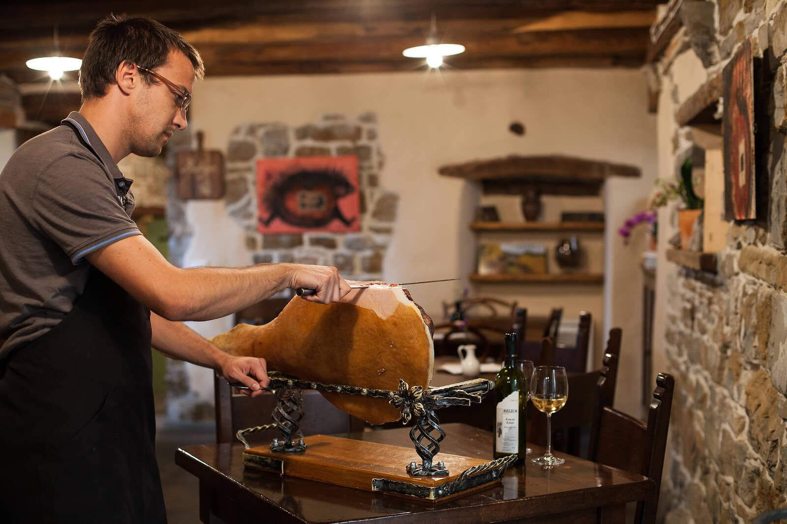 wine-region-prosciutto-tasting-slovenia