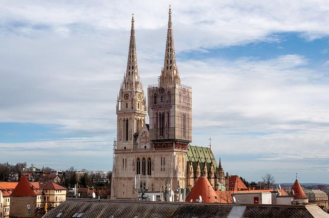 zagreb-chatedral-visit-tour-city-croatia